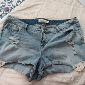 Torrid Jean Shorts with Crochet Lace in size 24
